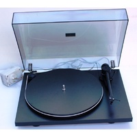 PRO-JECT Essential Phono/USB turntable with Ortofon OM5E cartridge